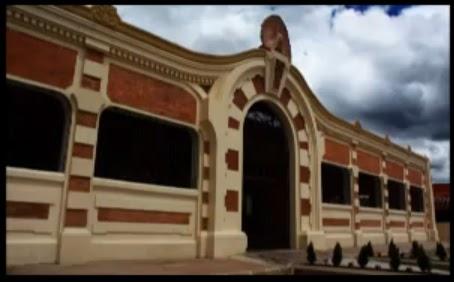 Las cruces bogota la plaza de mercado patrimonio for Alacenas bogota