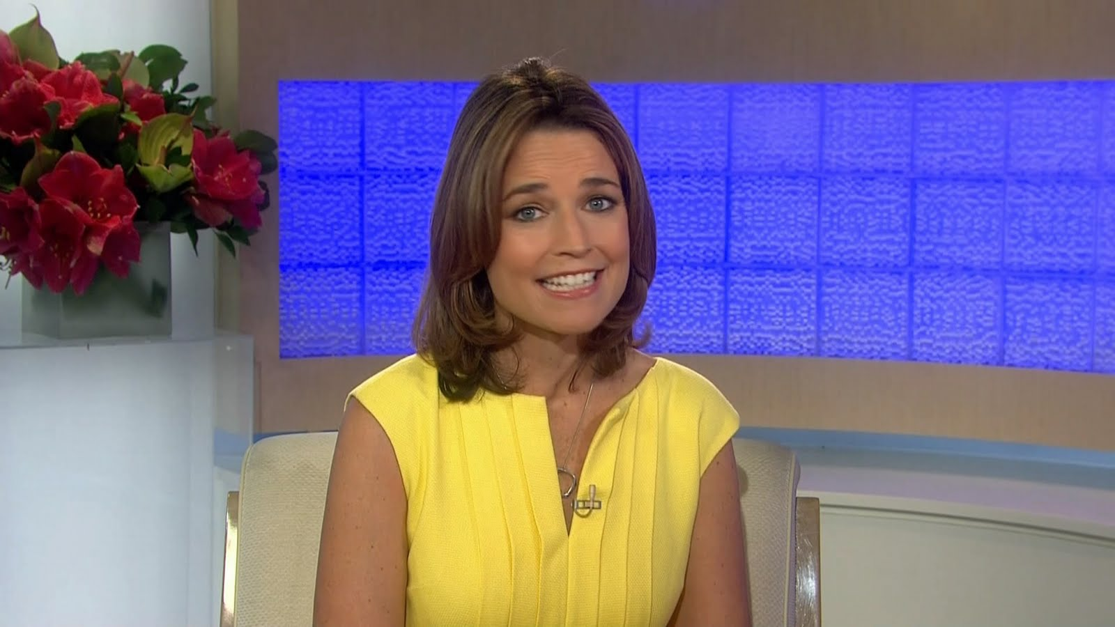 Savannah Guthrie pretty in yellow