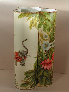 umbrella stand with elephant image