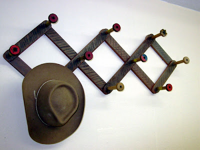 expandable hat and coat rack