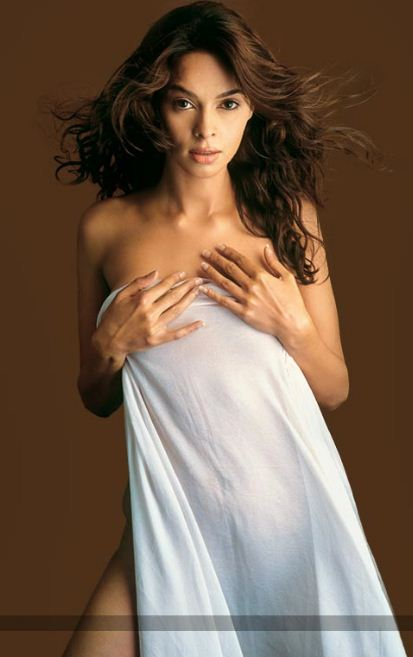celebrity in picture: Mallika Sherawat Nude Photo, Bollywood ...