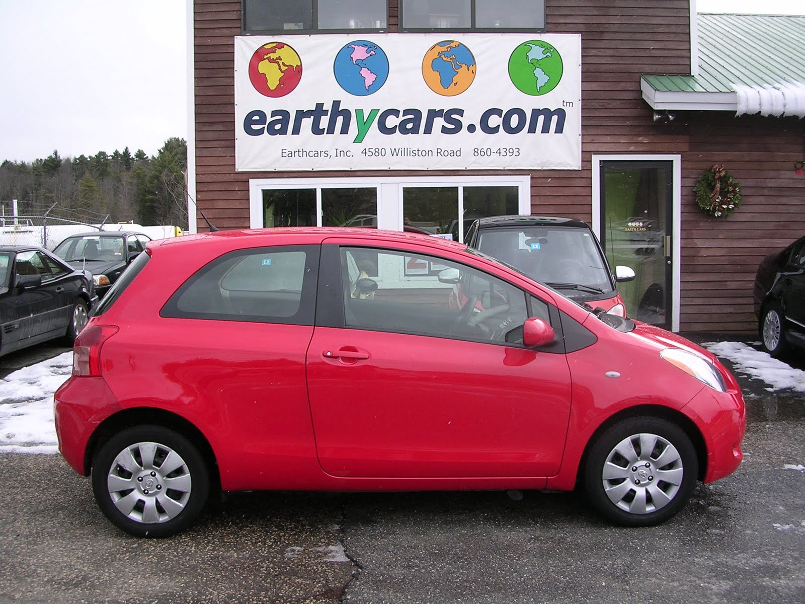 earthy cars blog earthy car of the week 2008 red toyota yaris hatchback. Black Bedroom Furniture Sets. Home Design Ideas