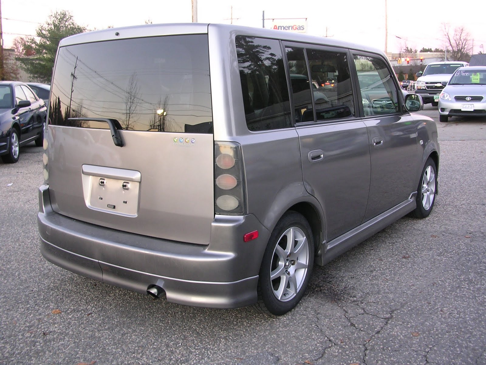 earthy cars blog earthy car of the week 2005 scion xb. Black Bedroom Furniture Sets. Home Design Ideas