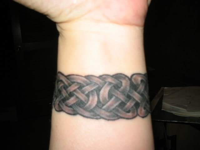 thorns tattoo designs. a Celtic tattoos designs.