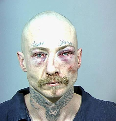 tatuaje nobles. Tiene un tatuaje con el apodo - Tribunero Historias - Bosnich el racista