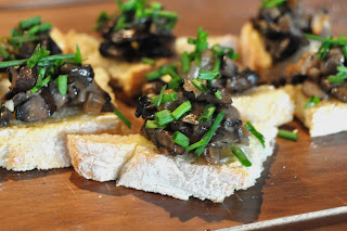 LA GRAHAM: CREAMED MUSHROOMS ON GARLIC CHIVE TOAST