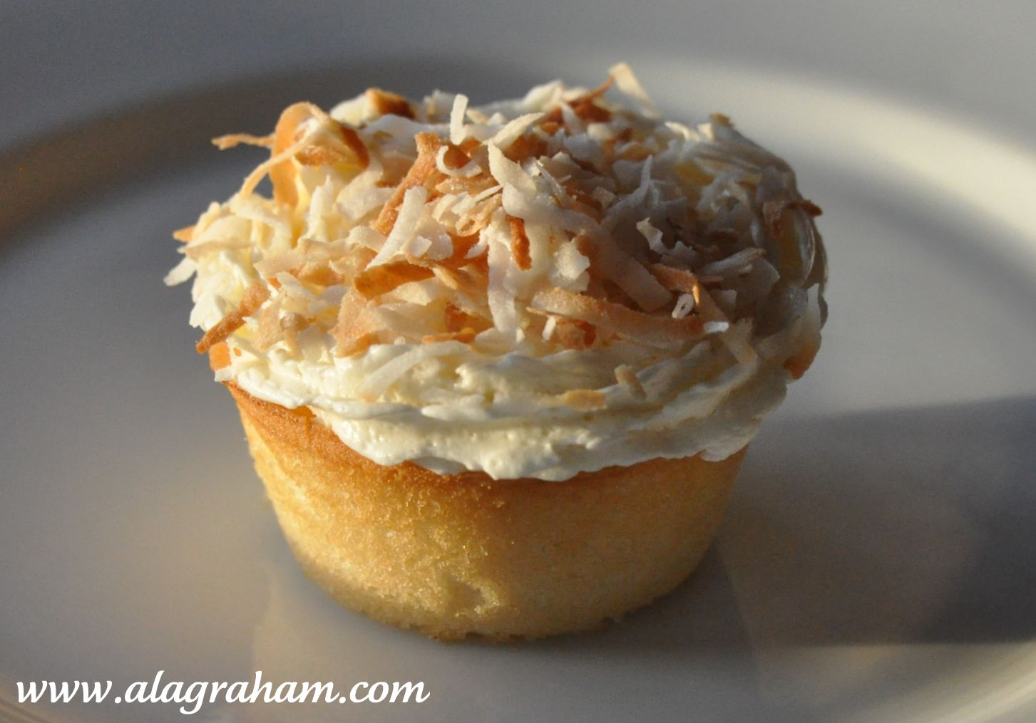 LA GRAHAM: THE BEST COCONUT CAKE