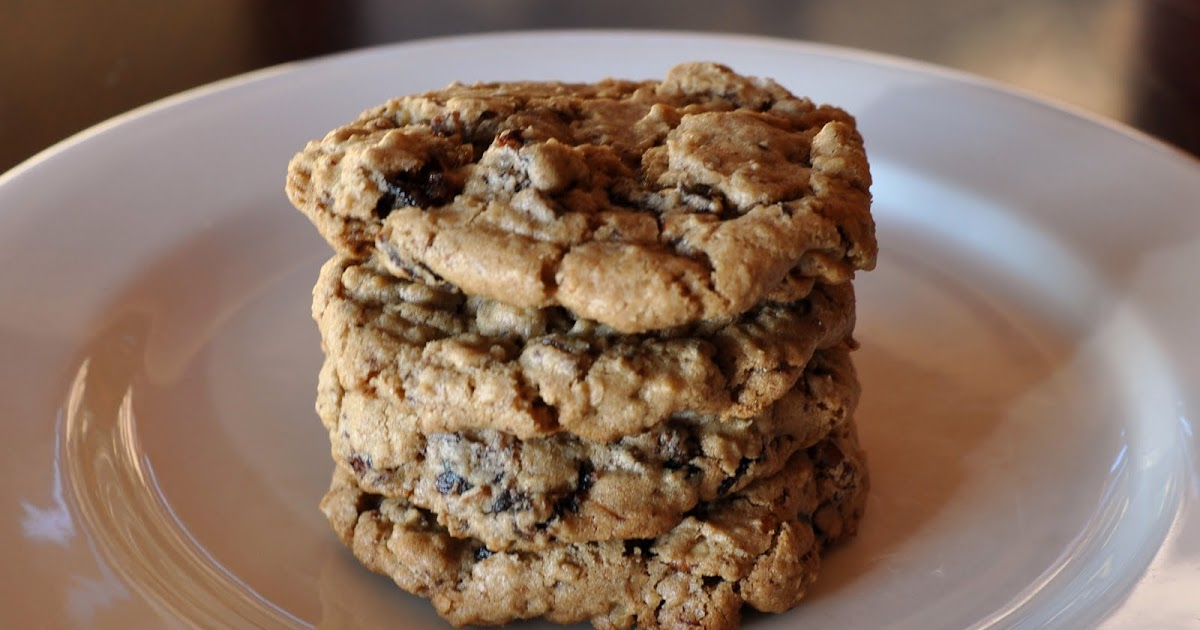 A LA GRAHAM: CHOCOLATE CHUNK OATMEAL COOKIES WITH PECANS ...