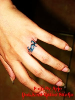 ring finger tattoos tribal. girly tattoos. Labels: cute tattoos, ring finger