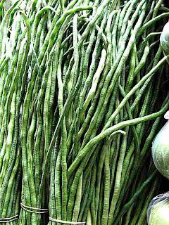 Hilo Farmers Market Green Beans - (c) David Ocker