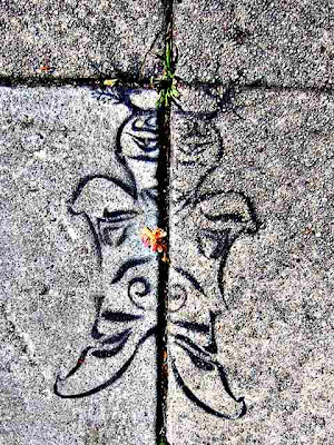 Graffiti animal - space man - drawn on cement
