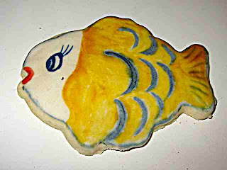 bright yellow cookie fish