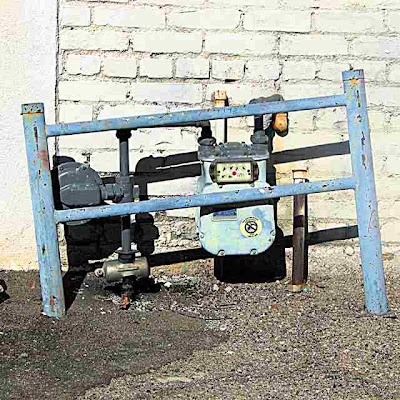 Crooked Gas Meter Protector  Pasadena CA (c) David Ocker