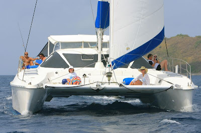 Charter catamaran MAROLANGA in the Virgin Islands for your next sailing vacation. Contact ParadiseConnections.com