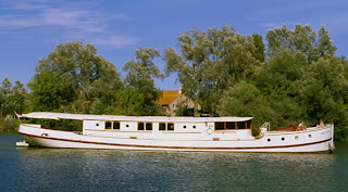 The Elegant ROI SOLEIL, French Hotel Barge - Contact ParadiseConnections.com