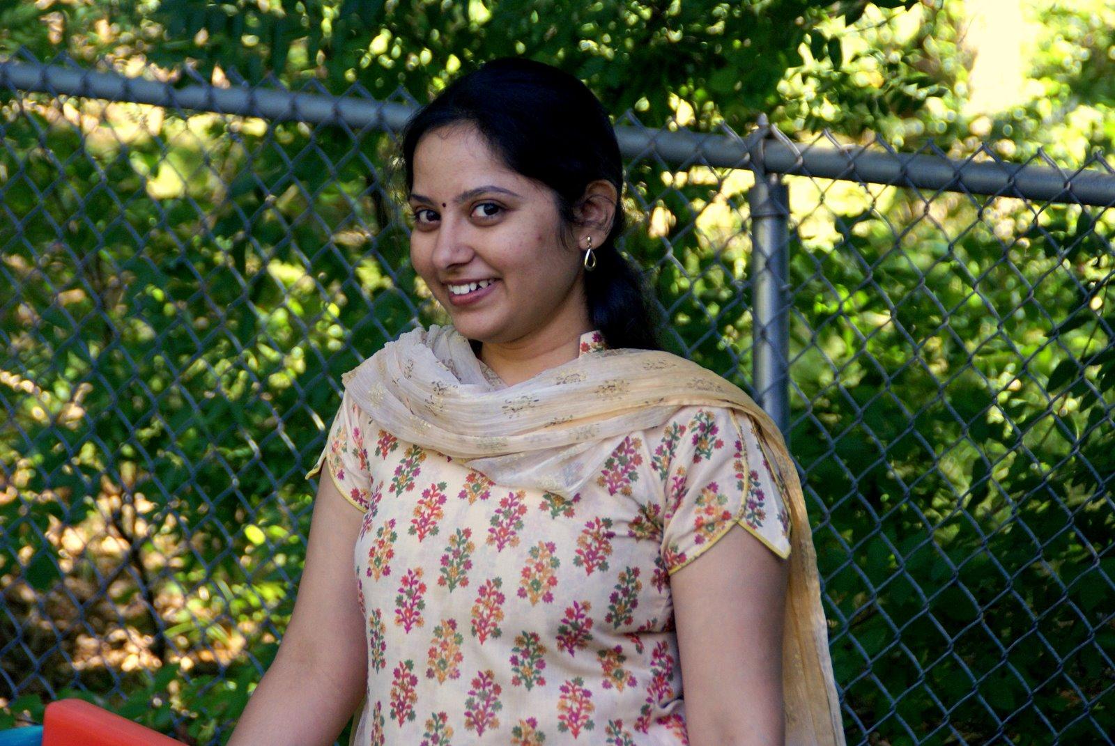Hot Desi Aunty Sleeveless