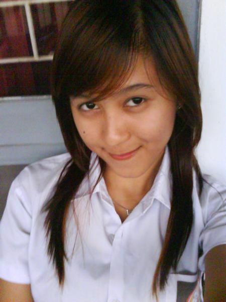gadis cantik indonesia Pic 6 of 35