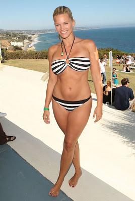 Bikini Hollywood Blog: Bikini Pictures Of Natasha ...