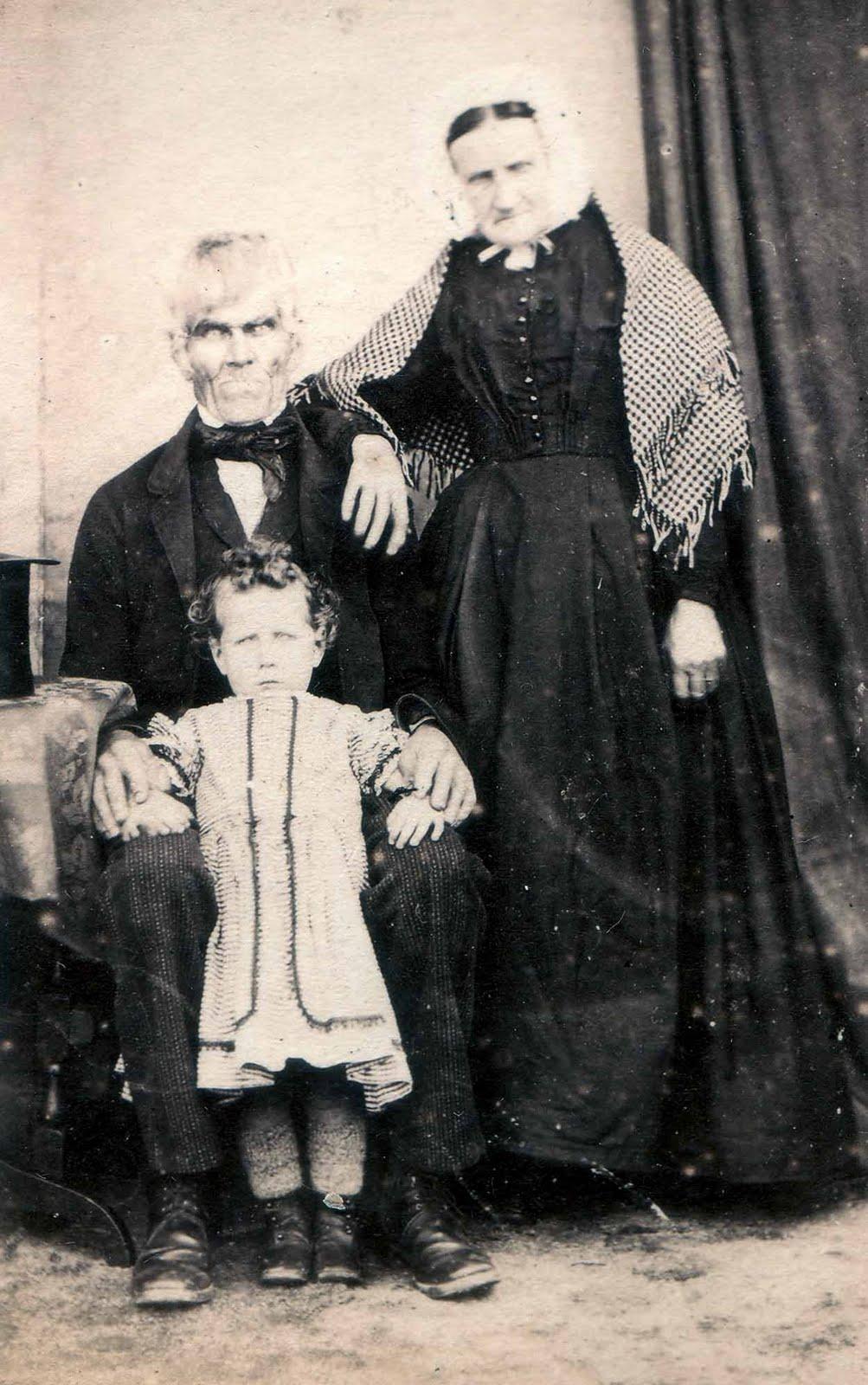 Мода на фото с покойниками