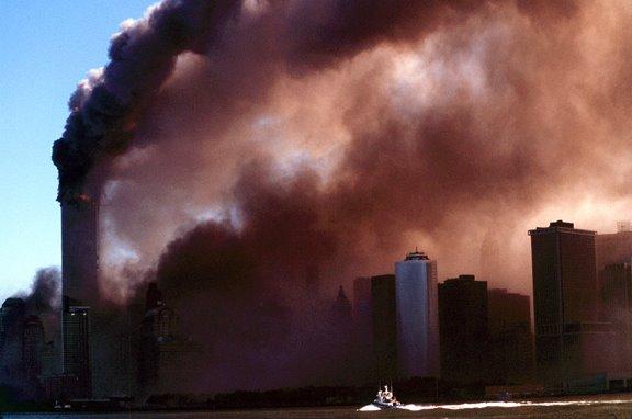 [salguero+118982+boat+headed+smoke+sm.jpg]