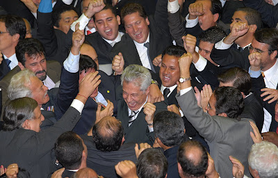 Arlindo Chinaglia acclamé par ses supporters