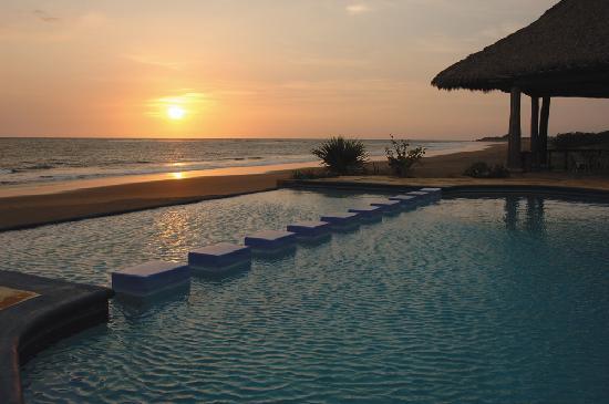 Osirismelisa destinos chinandega destino tur stico for Centro turistico puesta del sol