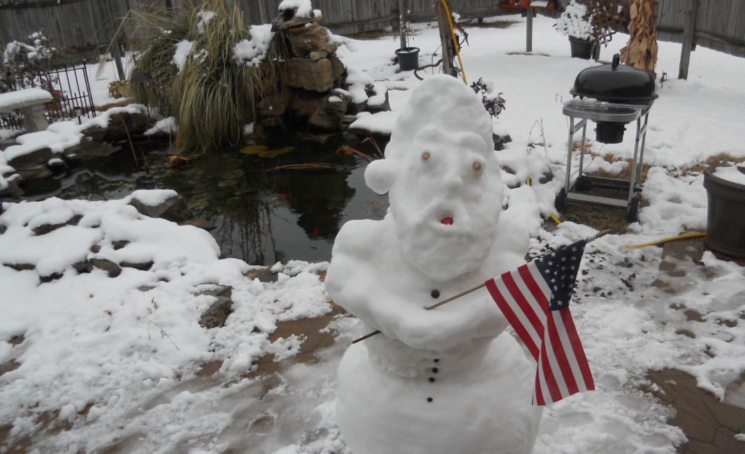 Alabama santa snowman for Koi pool santa
