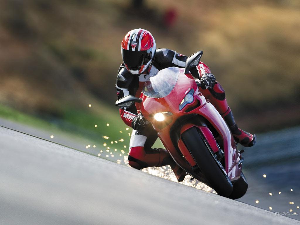 http://4.bp.blogspot.com/_tz6b8R764tc/TKIMmzTAQlI/AAAAAAAAAbs/v0V02k1__Aw/s1600/Ducati_1098__2007__09_1024x768.jpg