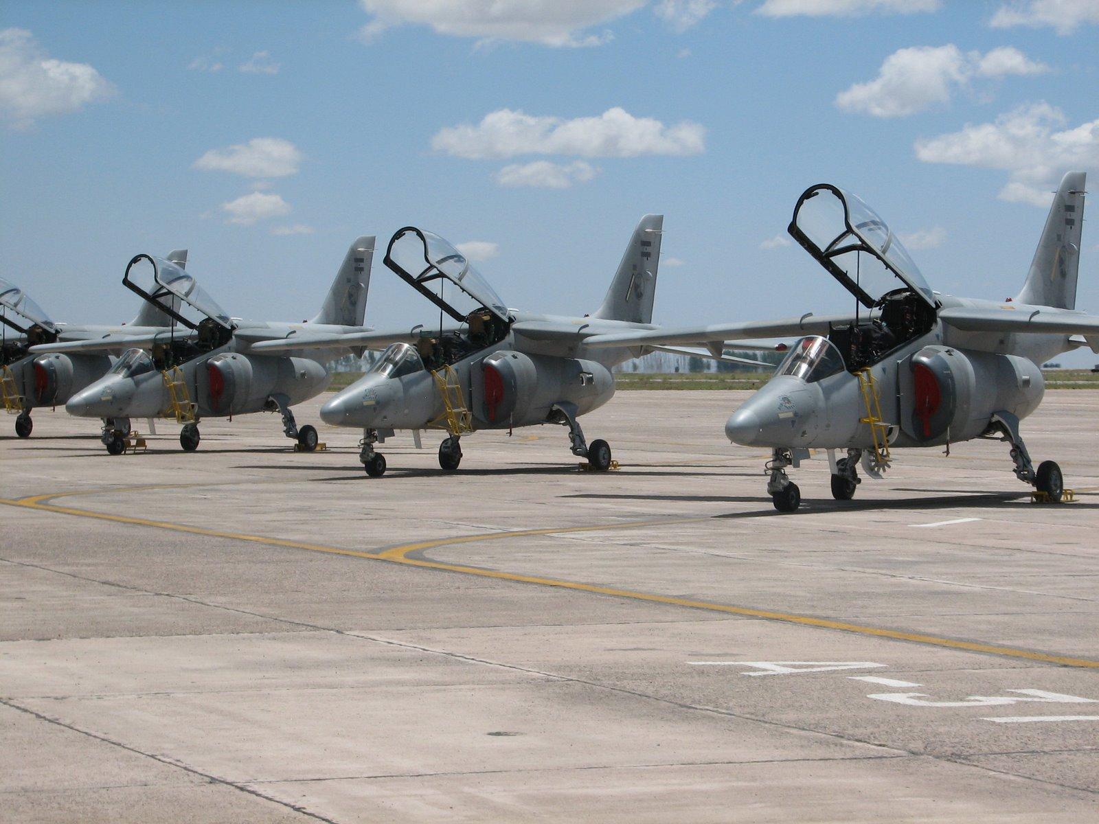 Llegan a Colombia tres nuevos aviones Kfir