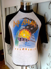 VINTAGE DEF LEPPARD WORLD TOUR 1983 3 QUARTER 50/50 SHIRT very rare n nice design (front) (SOLD)