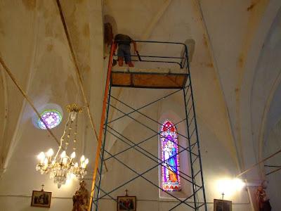 Rénovation de l'église de Pomy par les volontaires