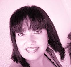 Viaja al maravilloso mundo de la presentadora de radio más genial de las Islas Baleares: Sandra Llabrés.