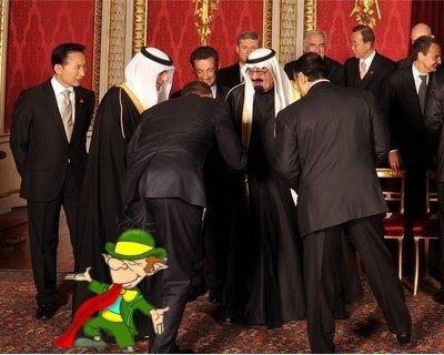 Sarkozy se troncha, el muy cabrón...