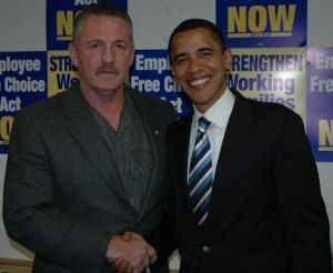 El presidente de la ILWU Robert McEllrath y el Presidente electo Barack Obama