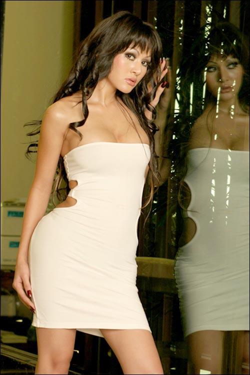 CelebNews: Cynthiara Alona on beautiful and sexy fashion photoshoot