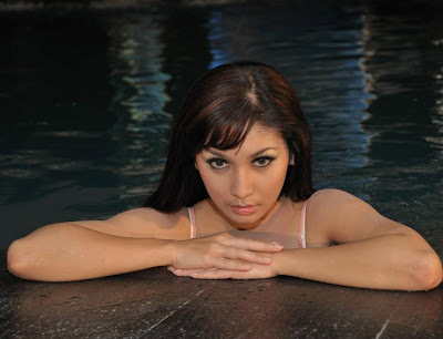 Baby Margaretha Hot Angles Of Wet Body ~ PHOTO GALLERY