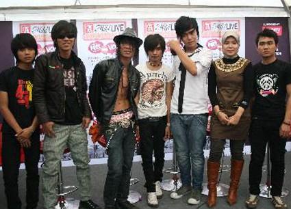 http://4.bp.blogspot.com/_u151eCr02IU/TNvxeU8ywtI/AAAAAAAAIrI/dbcNWudXle8/s1600/Kangen+Band.JPG