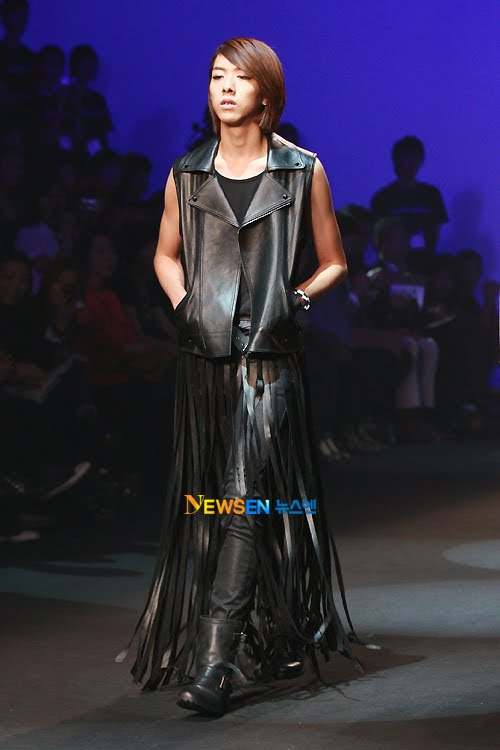 Lee Jeong Shin Seoul Fashion Week ! ♥ 2010102214175710011