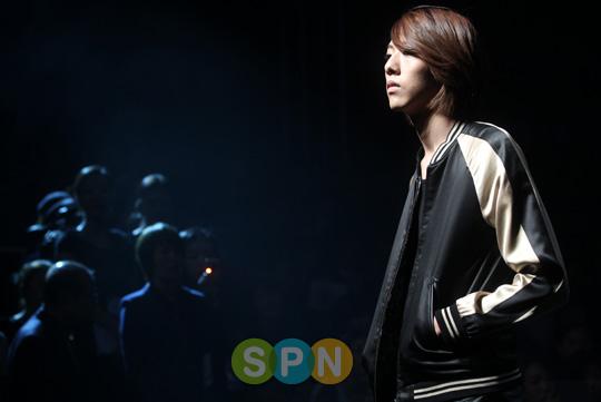 Lee Jeong Shin Seoul Fashion Week ! ♥ Pp10102200079