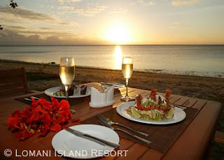 romantic dinner at sunset wallpaper