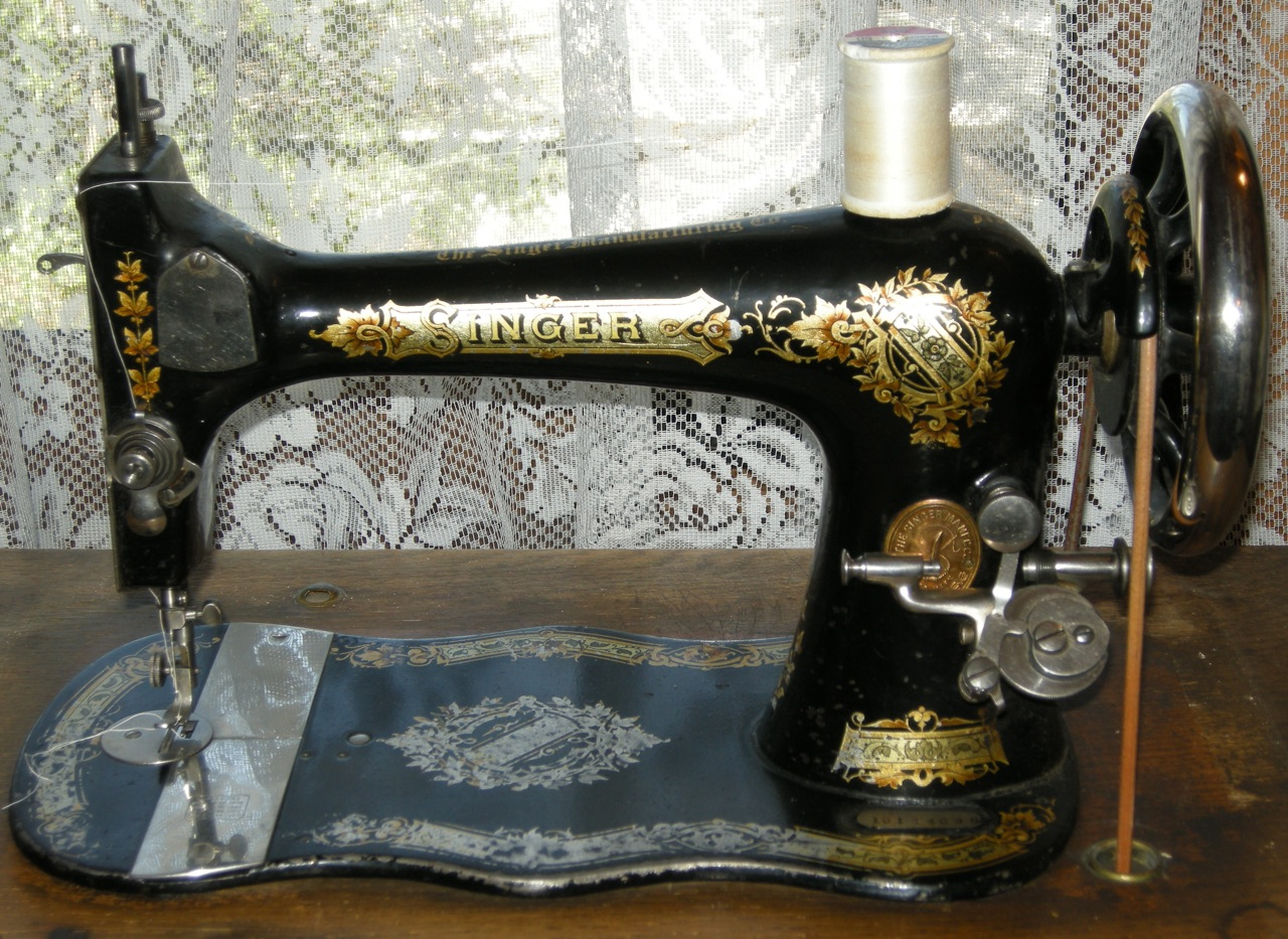 Magnificent Antique Singer Sewing Machine 1280 x 933 · 430 kB · jpeg