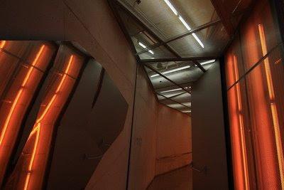 Pormenor da estrutura e da iluminação em tonalidade quente
