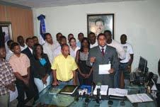 MAS DE CINCUENTA ASOCIACIONES DE ESTUDIANTES RECONOCEN AL MINISTRO DE LA JUVENTUD