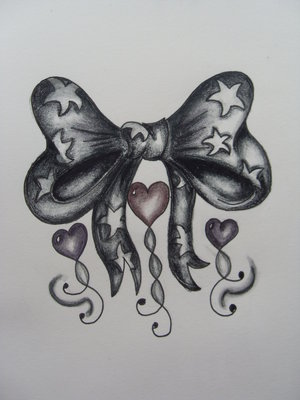 body panting celebrity: tattoo bow