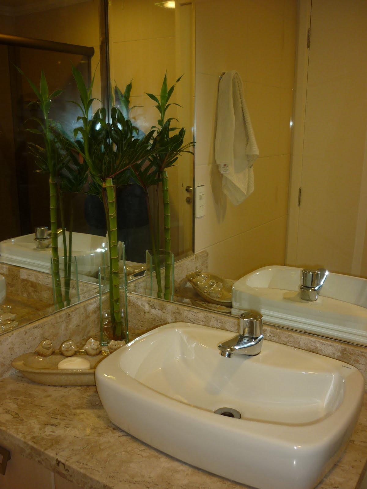 dos maiores investimentos foi o espelho em l até o teto para ampliar #2B2408 1200x1600 Banheiro Azulejo Ate O Teto