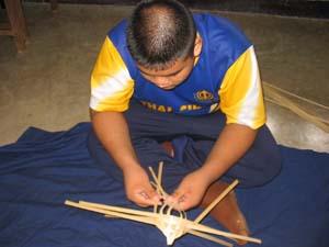 สอนวิธี สานกบด้วยไม้ไผ่ ,วิธีสานกบ สานสัตว์ ,ด้วยไม้ไผ่,ทำกบด้วยไม้ไผ่ how to weave frog from bamboo ,how to diy frog from bamboo,how to weave frog animal ,woven frog from bamboo ,woven bamboo frog animal,how to weave