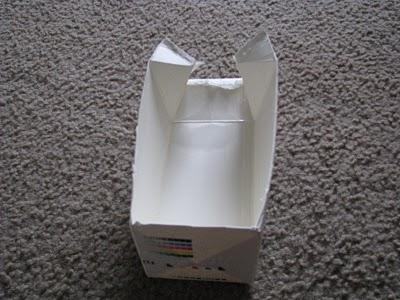 วิธีทำ ดัดแปลง กล่องนม งานฝีมือ  ฝีมือเด็ก ของใช้แล้ว ลดขยะ รีไซเคิล วัสดุเหลือใช้ ไอเดีย howto diy ลดโลกร้อน โลกสีเขียว โครงงาน กระดาษ กระดาษใช้แล้ว recycle reuse