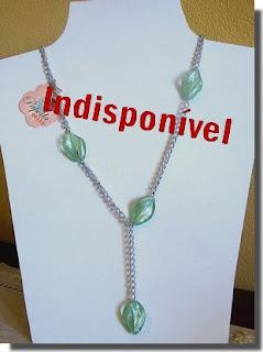 Colar prata e verde
