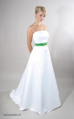 valkoinen puku miehelle Parkano