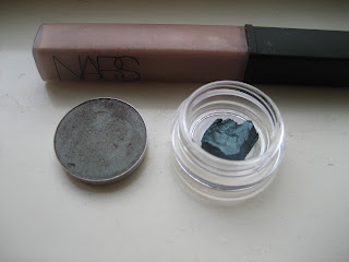 MAC Club on left, Delft paintpot sample on right, NARS Supervixen above